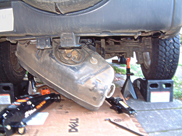 how to clean a rusty car gas tank